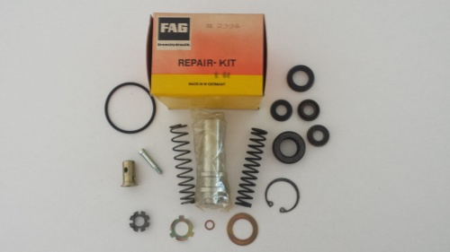 rubber brake pump kit Mercedeskswagen - Renault copia